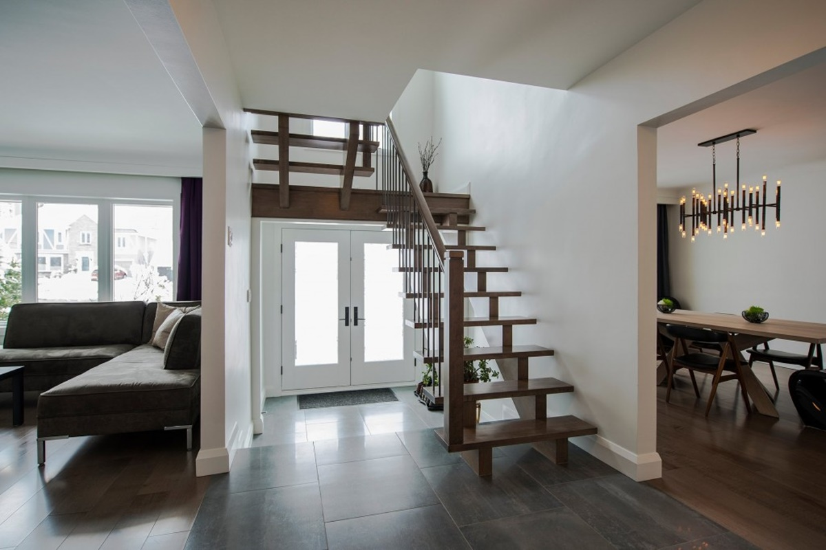 entryway & staircase